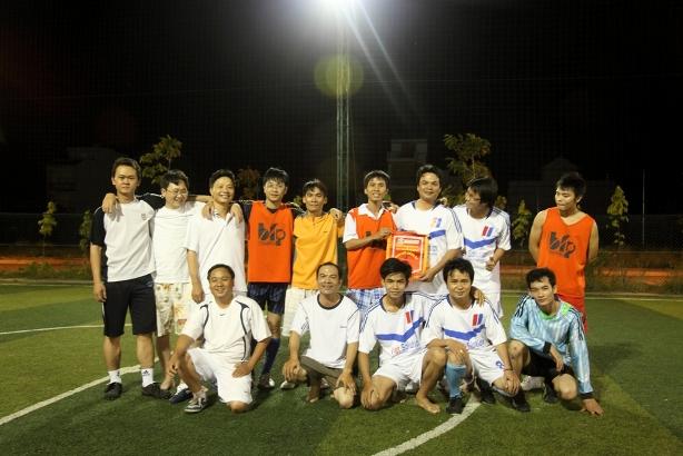 Đội bóng Viet Solution & Khang Linh